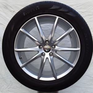 Cerchi Stelvio 19 Originali Alfa Romeo Veloce e Pneumatici Farroad FRC78 235 55