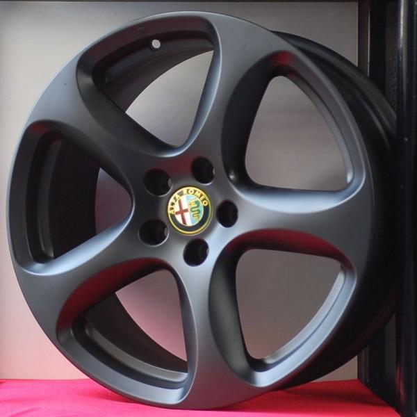 Cerchi Stelvio 18 Originali Alfa Romeo Sport Nero Opaco e Pneumatici Michelin CrossClimate