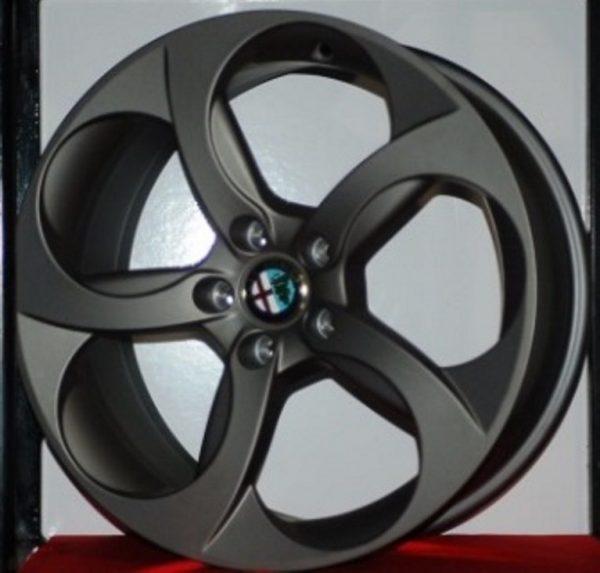 Cerchi Giulia Doppia misura 8 - 9 da 18 Originali Alfa Romeo a 5 Fori Bruniti