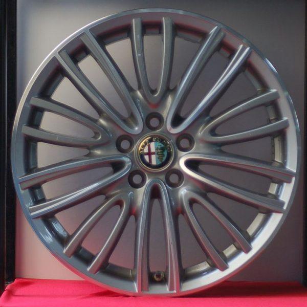 Cerchi Giulia 18 Originali Alfa Romeo a Raggi e Pneumatici invernali Hankook W320 225 45