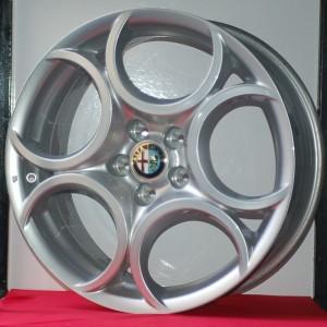 Cerchi Giulietta 18 Originali Alfa Romeo 5 Fori Silver e Pneumatici Bridgestone Lm005 225 40