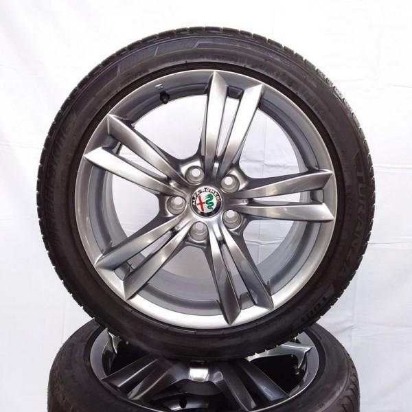 Cerchi Giulietta 17 Originali Alfa Romeo a Doppia Razza Bruniti e Pneumatici Continental TS850 225 45
