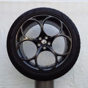 Cerchi Stelvio 20 Originali Antracite e Pneumatici Pirelli Pzero 255 45