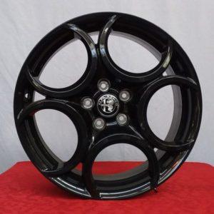 Cerchi 18 Alfa Romeo Originale 5C Nero Lucido e Pneumatici Saferich 225 40