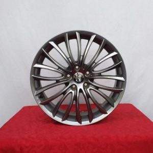 Cerchi 18 Alfa Romeo Originale Petalo Brimetal e Pneumatici Saferich 225 40