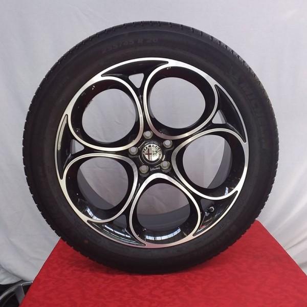 Cerchi Alfa Romeo Stelvio Nero Lucido Diamantato e Pneumatici Michelin