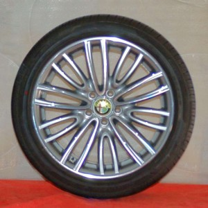 Cerchi Giulia 18 Originali Alfa Romeo a Raggi e Pneumatici Pirelli P7 Cinturato 255 40 225 45