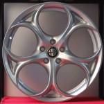 Cerchi Giulia Doppia Misura 19 Originali Alfa Romeo Performance Silver e Pneumatici Pirelli PZero AR