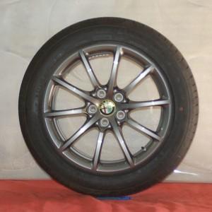 Cerchi Giulia 17 Originali Alfa Romeo a Raggi Bruniti e Pneumatici Michelin Primacy3