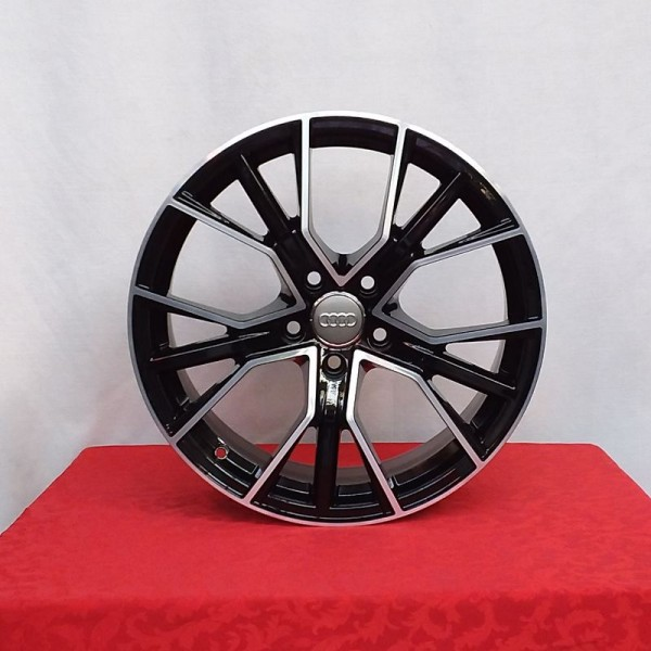 Cerchi in lega Audi Q8 21 AJAX AF18 Nero Lucido Diamantato e Pneumatici Michelin 285 40