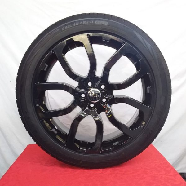 Cerchi Evoque 20 Made In Italy Range Rover e Pneumatici Superia SA37 245 45