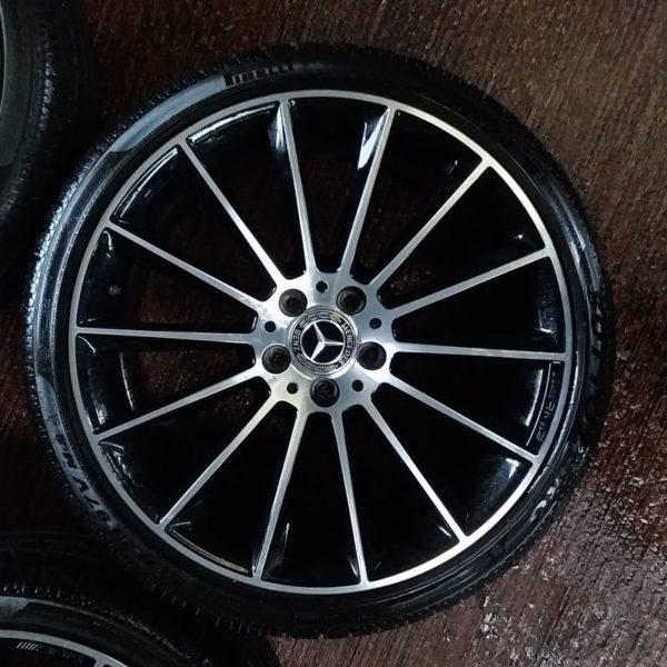 Cerchi Originali Mercedes Benz Classe E Coupè 20 e Pneumatici Pirelli Sottozero 245 35 - 275 35