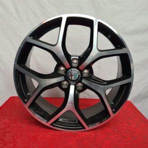 Modello: Alfa Romeo Giulietta Misure: 5X110 7,5×18 ET41 Colore: Nero Lucido Diamantato