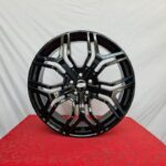 Cerchi Range Rover Evoque 20 Mak Kingdom Gloss Black e Pneumatici Farroad 245 45